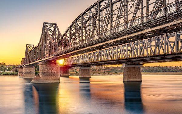Plata tarifului de trecere a podului peste Dunăre de la Feteşti-Cernavodă a intrat în era digitală